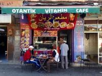 4772225_6_d526_le-restaurant-syrien-tenu-par-amar-venu_ee3eacd063335cb637c671a3632ddf56