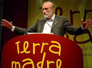 z13519374Q,Carlo-Petrini-podczas-konferencji-Terra-Madre