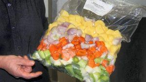 dans-les-cantines-les-legumes-bio-viennent-de-pontivy0